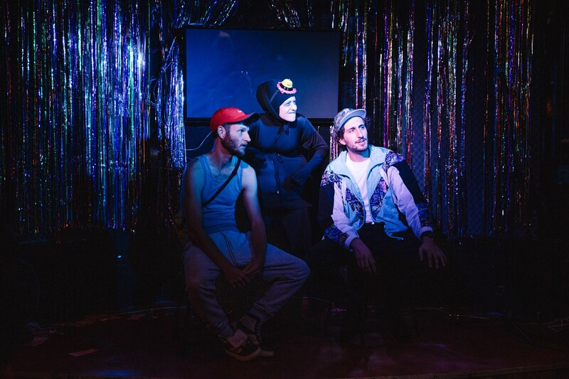 Black Hole (Alicia Gonzalez) with two hipsters (Roel Voorbij and Jeromaia Detto) in The Lost Lost Cabaret 2019